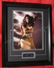 ELIZABETH HURLEY SIGNED STUNNING  FRAMED CERT AUTHENTIC JUST GORGEOUS